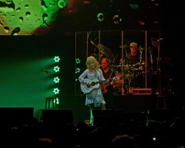 IMG_1993Dolly Parton at Newcastle Metro Arena